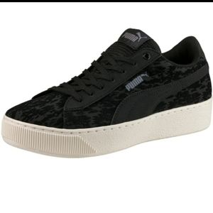 PUMA VIKKY platform sneakers - black velvet